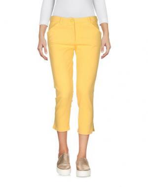 Джинсовые брюки-капри JUST CAVALLI. Цвет: желтый