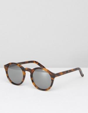Солнцезащитные очки в круглой черепаховой оправе с зеркальными стеклам Monokel Eyewear. Цвет: коричневый