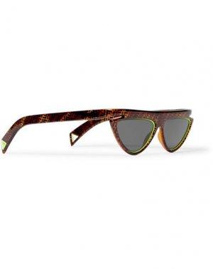 Солнечные очки FENDI. Цвет: черный
