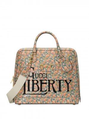 Дорожная сумка из коллаборации с Liberty Gucci. Цвет: разноцветный