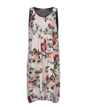 Платье длиной 3/4 CLUB VOLTAIRE. Цвет: телесный