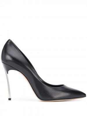 Туфли-лодочки на каблуке Blade Casadei. Цвет: черный