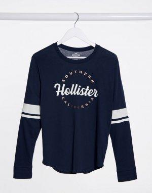 Темно-синий лонгслив с логотипом на груди Hollister