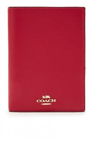 Красная кожаная обложка для паспорта Coach. Цвет: красный