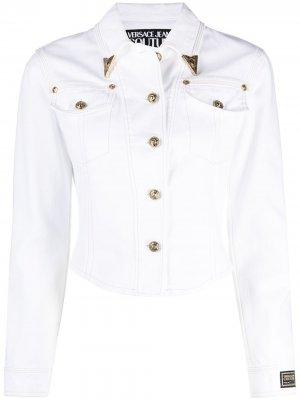 Джинсовая куртка с уголками на воротнике Versace Jeans Couture. Цвет: белый
