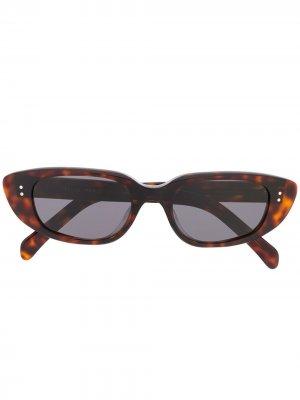 Солнцезащитные очки в узкой оправе Celine Eyewear. Цвет: коричневый