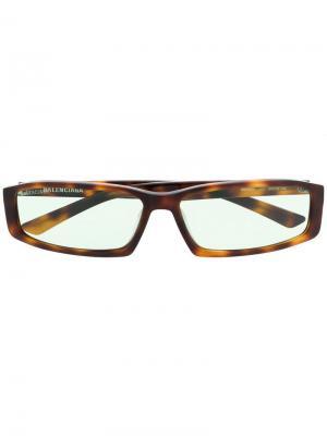 Солнцезащитные очки Neo в квадратной оправе Balenciaga Eyewear. Цвет: коричневый