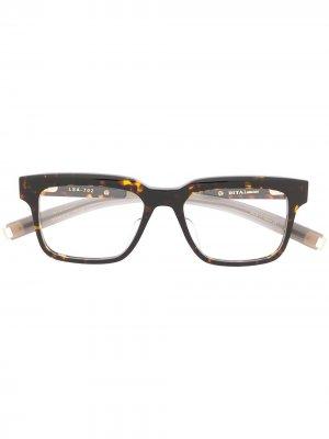 Очки Lancier в квадратной оправе Dita Eyewear. Цвет: коричневый