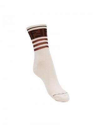Носки с логотипом Fendi. Цвет: белый