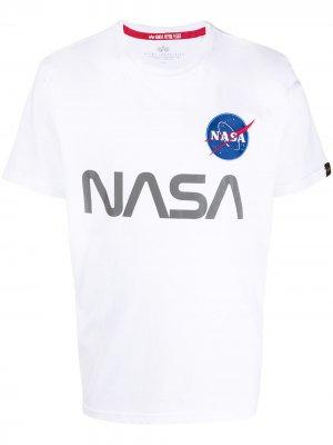 Футболка с принтом NASA Alpha Industries. Цвет: белый