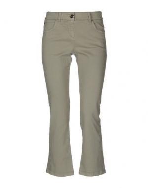 Джинсовые брюки-капри BRUNELLO CUCINELLI. Цвет: зеленый-милитари