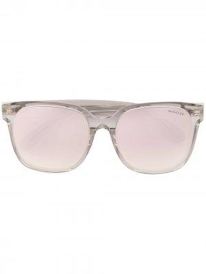Солнцезащитные очки в прямоугольной оправе Moncler Eyewear. Цвет: серебристый