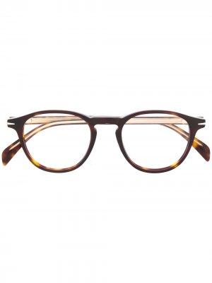 Очки в оправе черепаховой расцветки DAVID BECKHAM EYEWEAR. Цвет: коричневый