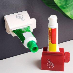 1шт Случайная соковыжималка для зубной пасты с мультипликационным рисунком SHEIN. Цвет: многоцветный