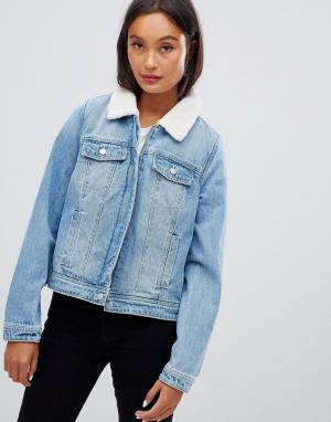 Синяя джинсовая куртка с воротником борг Pimkie. Цвет: синий