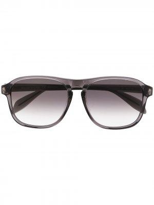 Солнцезащитные очки с эффектом градиента Alexander McQueen Eyewear. Цвет: серый