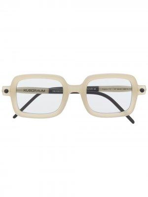 Солнцезащитные очки в квадратной оправе Kuboraum. Цвет: нейтральные цвета