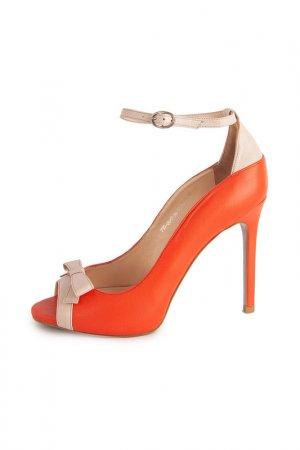Туфли Calipso. Цвет: оранжевый, бежевый