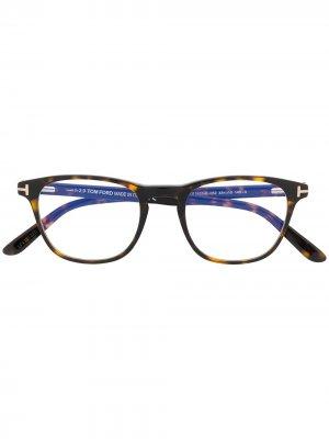 Очки FT5625B в квадратной оправе TOM FORD Eyewear. Цвет: коричневый