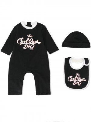 Комплект из ромпера, шапки бини и нагрудника Dolce & Gabbana Kids. Цвет: синий