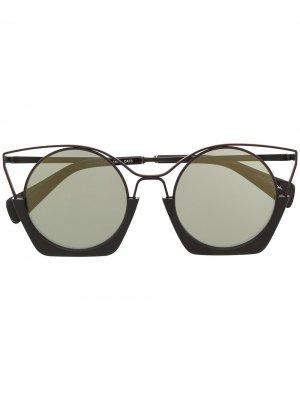 Солнцезащитные очки с эффектом градиента Yohji Yamamoto. Цвет: коричневый