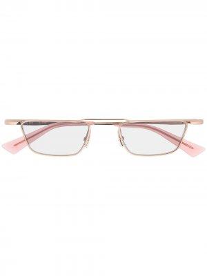 Солнцезащитные очки Nuty в прямоугольной оправе Christian Roth. Цвет: розовый