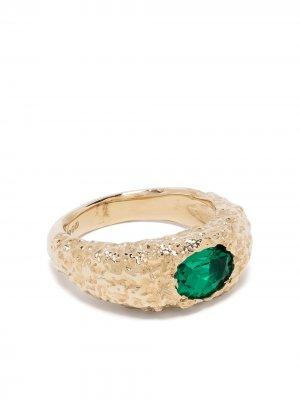 Перстень Orgaya из желтого золота с изумрудом SUSANNAH KING. Цвет: золотистый