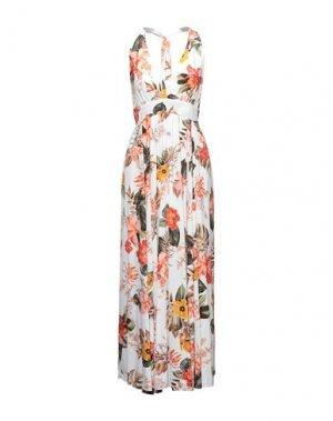 Длинное платье RINASCIMENTO. Цвет: белый