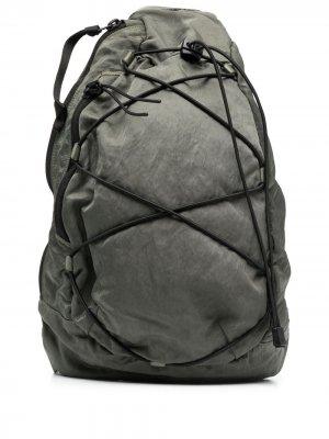 Рюкзак с одной лямкой C.P. Company. Цвет: зеленый
