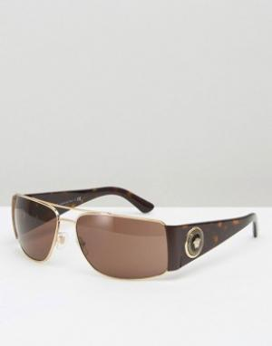 Квадратные солнцезащитные очки-авиаторы в черепаховой оправе Versace. Цвет: коричневый