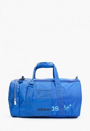 Сумка спортивная adidas Originals REMIX DUFFLE. Цвет: синий