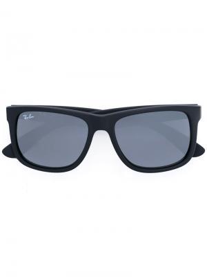 Прямоугольные солнцезащитные очки в массивной оправе Ray-Ban. Цвет: черный