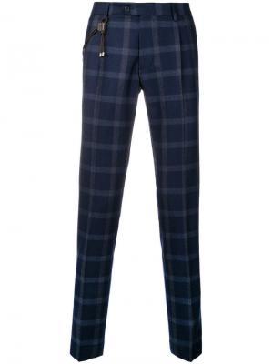Классические брюки в клетку Berwich. Цвет: синий
