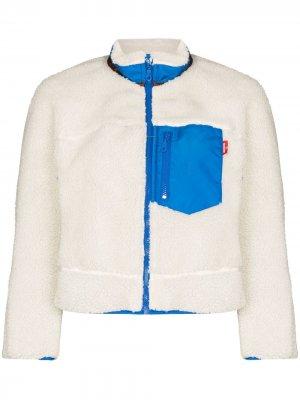 Флисовая куртка с контрастными вставками Denimist. Цвет: белый