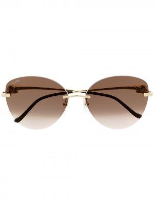 Солнцезащитные очки в массивной оправе Cartier Eyewear. Цвет: золотистый