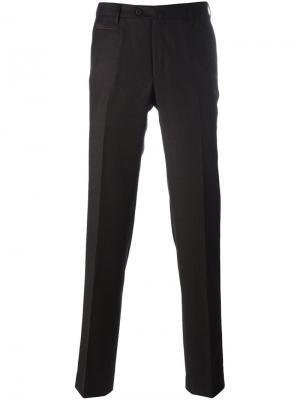 Классические строгие брюки Corneliani. Цвет: коричневый