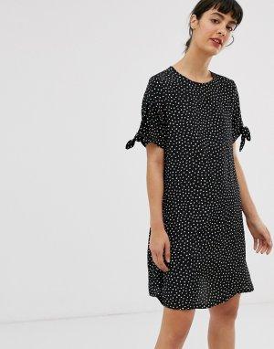 Черное платье-футболка в горошек с завязками на рукавах -Мульти Monki