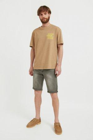 Шорты джинсовые мужские Finn-Flare. Цвет: темно-зеленый
