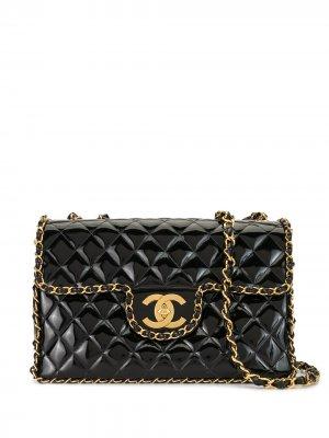 Стеганая сумка на плечо Jumbo 1995-го года Chanel Pre-Owned. Цвет: черный