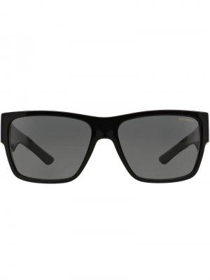 Солнцезащитные очки Cornici в квадратной оправе Versace Eyewear. Цвет: черный