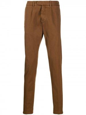 Классические брюки чинос узкого кроя Eleventy. Цвет: коричневый