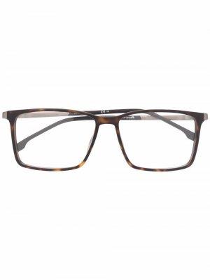 Солнцезащитные очки в оправе черепаховой расцветки Boss Hugo. Цвет: коричневый