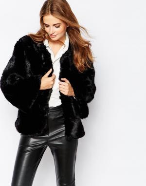 Куртка из искусственного меха Olin Jayley. Цвет: черный
