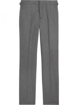 Классические строгие брюки Burberry. Цвет: серый