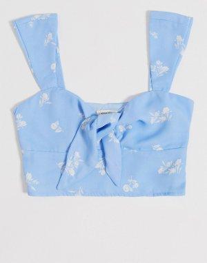 Голубой кроп-топ с завязкой и белым цветочным принтом Gilli