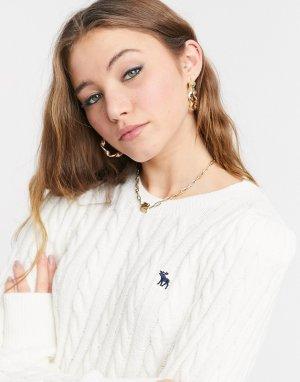 Кремовый джемпер с узором «косичка», круглым вырезом и логотипом -Белый Abercrombie & Fitch