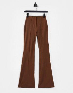 Коричневые расклешенные брюки Violet-Коричневый цвет Monki