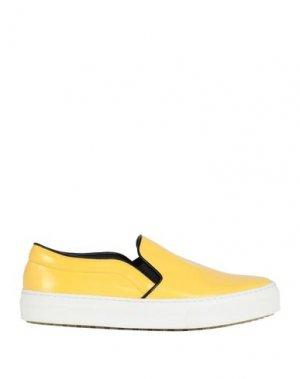 Низкие кеды и кроссовки CELINE. Цвет: желтый