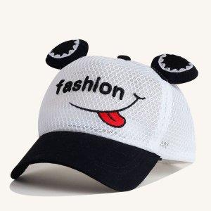 Бейсбольная кепка вышивки письма малышей мальчиков SHEIN. Цвет: чёрнобелые