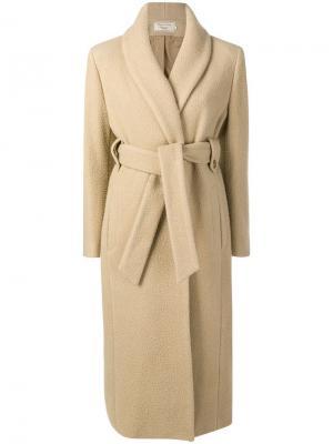 Пальто Shaggy Jill Maison Kitsuné. Цвет: нейтральные цвета